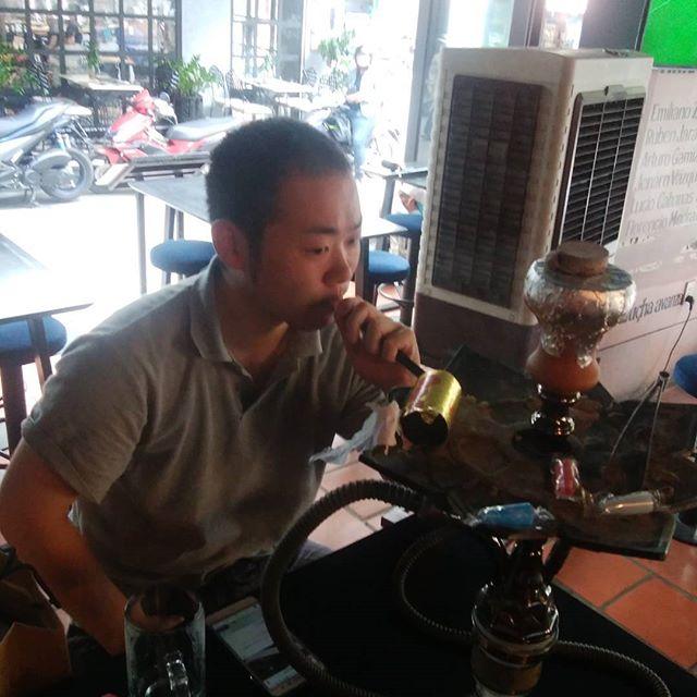 #ホーチミン では #シーシャ も楽しめます今日はのんびりお客さんと#usagiyah #うさぎや #兎家 #兎家ゲストハウス #ベトナム #バックパッカー #バックパッカー女子 #一人旅 #昼からビール