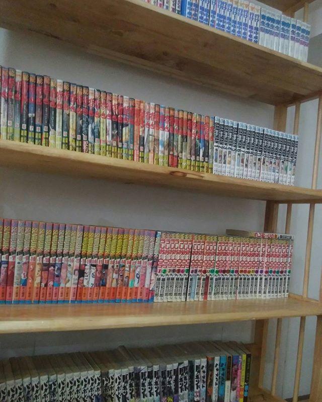 うさぎやの蔵書(漫画)が一気に150冊増えました!船便で送ったんですが、税関などで手こずって日本から出して4ヶ月もかかってようやく到着しました(;´Д`)まだまだ蔵書は増えますので、漫画喫茶代わりに遊びにきてください♪ちなみに送料11,000円、税関に約1万円かかりました…(´;ω;`) ホーチミンの日本人ゲストハウス兎家(うさぎや)ゲストハウスusagiyah.com#usagiyah #兎家 #兎家ゲストハウス #うさぎや #日本人宿 #ゲストハウス #ドミトリー #Guesthouse #ベトナム #Vietnam #ホーチミン #バックパッカー #バックパッカー女子 #一人旅 #海外旅行 #漫画 #漫画喫茶 #マンガ