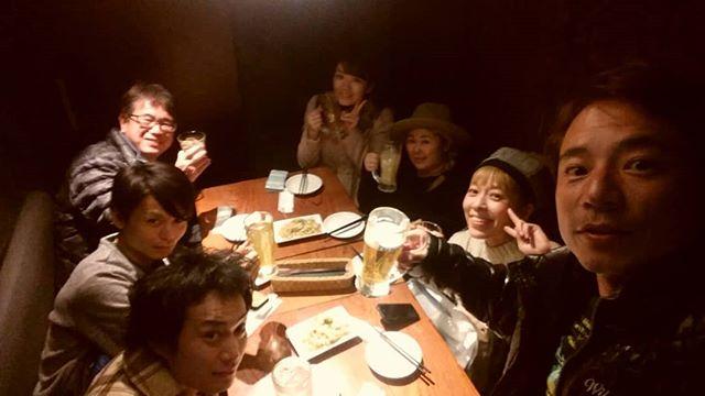 うさぎや、東京オフ会。まだオープンして5ヶ月のうさぎやですが、こうやって一緒に泊まってない人たちがうさぎやを媒体に出会う。。。宿屋冥利に尽きますね…(´;ω;`)出会いに感謝です!今度はホーチミンか世界のどこかで乾杯しましょう!.ホーチミンの日本人ゲストハウス兎家(うさぎや)ゲストハウスusagiyah.com.#usagiyah #兎家 #兎家ゲストハウス #うさぎや #日本人宿 #ゲストハウス #ドミトリー #Guesthouse #ベトナム #Vietnam #ホーチミン #バックパッカー #バックパッカー女子 #一人旅 #海外旅行 #旅好きの人と繋がりたい #出会い #東京 #再会 #オフ会 #乾杯 #ありがとう
