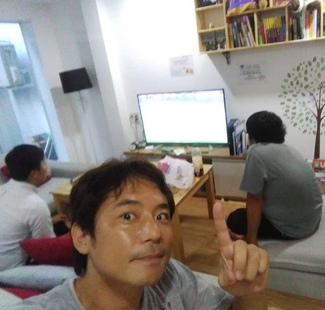 今夜は日本代表のゲーム。ワールドカップもうさぎやでは日本戦をすべて放送します!ベトナムでも日本の放送が見れるゲストハウスはここだけ♪.ホーチミンの日本人ゲストハウス兎家(うさぎや)ゲストハウスusagiyah.com.#usagiyah #日本人宿 #ゲストハウス #ドミトリー #ベトナム #Vietnam #ホーチミン #hochiminh #バックパッカー #backpacker #girlstravel #タビジョ #バックパッカー女子 #一人旅 #solotravel #海外旅行 #海外 #travel #旅好きの人と繋がりたい #フォトジェニック #Photogenic #インスタ映え #インスタジェニック #サムライジャパン #サッカー #日本代表 #サッカー日本代表 #ワールドカップ #親善試合 #ガーナ