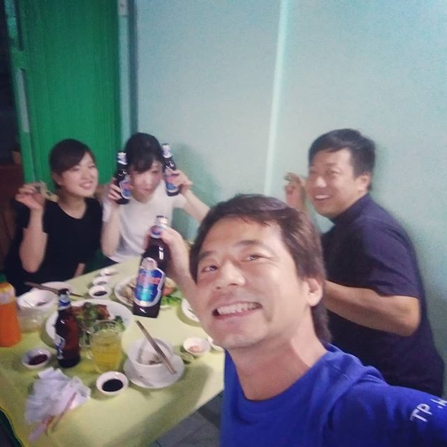 うさぎや近くのベトナム料理店。全く英語が通じず、もちろん英語メニューもありません。僕のつたないベトナム語ではよくわからんので、いつも適当に頼んでます(笑).ホーチミンの日本人ゲストハウス兎家(うさぎや)ゲストハウスusagiyah.com.#usagiyah #日本人宿 #ゲストハウス #ドミトリー #ベトナム #Vietnam #ホーチミン #hochiminh #バックパッカー #backpacker #girlstravel #タビジョ #バックパッカー女子 #一人旅 #solotravel #海外旅行 #海外 #travel #旅好きの人と繋がりたい #フォトジェニック #Photogenic #インスタ映え #インスタジェニック #ベトナム料理 #ローカル料理 #ローカル #カエル料理 #カエル #ビール #tiger