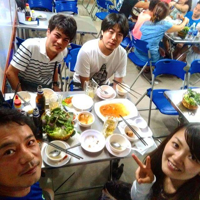 ホーチミンで一番美味しいカニ料理のお店。ベトナムのカニはズワイガニとは違い小さいカニですが、やはりカニはカニ。やっぱりめちゃめちゃ美味いです(*ˊ˘ˋ*)♪オススメはカニのスープとソフトシェルクラブ !日本ではなかなか味わえません。ホーチミンにお越しの際はぜひ食べに行ってみてくださいね(^_-)-☆.ホーチミンの日本人ゲストハウス兎家(うさぎや)ゲストハウスusagiyah.comLINE ID: usagiyahご予約、お問い合わせはLINEからでもOKです♪.#usagiyah #日本人宿 #ゲストハウス #ドミトリー #Guesthouse #ホーチミンゲストハウス #Vietnam #ホーチミン #hochiminh #バックパッカー #backpacker #girlstravel #タビジョ #バックパッカー女子 #一人旅 #旅行 #海外 #旅好きの人と繋がりたい #フォトジェニック #photgenic #インスタ映え #インスタジェニック # # # # # #